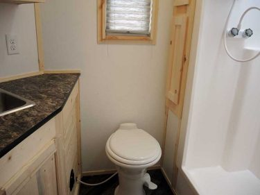 Pinewood Lodge Bathroom
